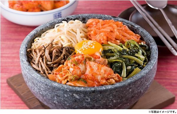 大阪の鶴橋で作られる本場韓国のおいしいキムチ。辛味の中の甘味がたまらない。本場の味を是非ご賞味あれ!